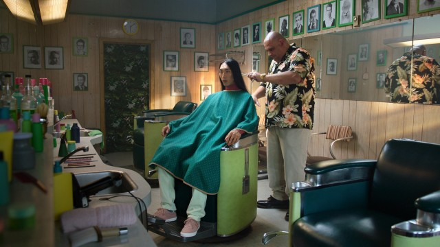 Men gets his hair cut and it becomes his moustache in publicity Barber shop from FIZZ, directed by Yan Giroux with Alt productions